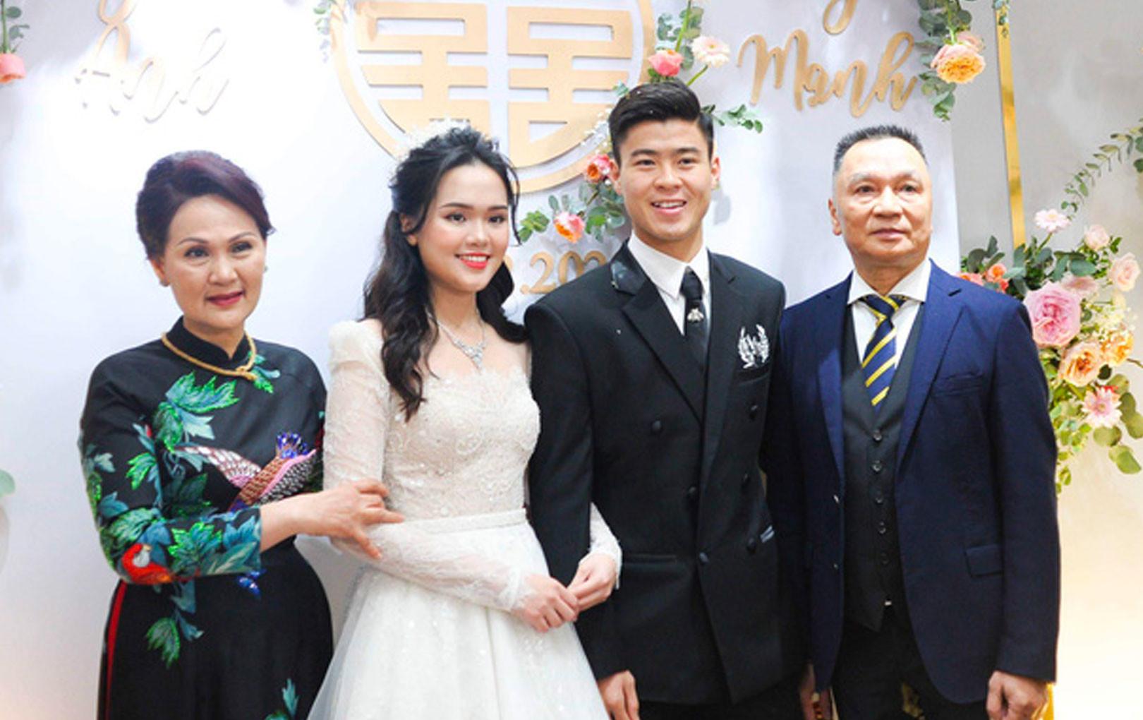 Thần thái phu nhân cựu chủ tịch CLB Sài Gòn làm dân tình tấm tắc: Mẹ đẹp và sang thế này bảo sao Quỳnh Anh không xinh