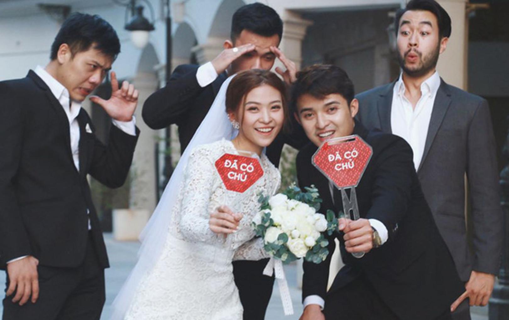 """Ngắm trọn loạt ảnh cưới của cặp Người ấy là ai: Từ """"ướt át"""" đến tái hiện lại khung cảnh """"nơi anh gặp em"""""""