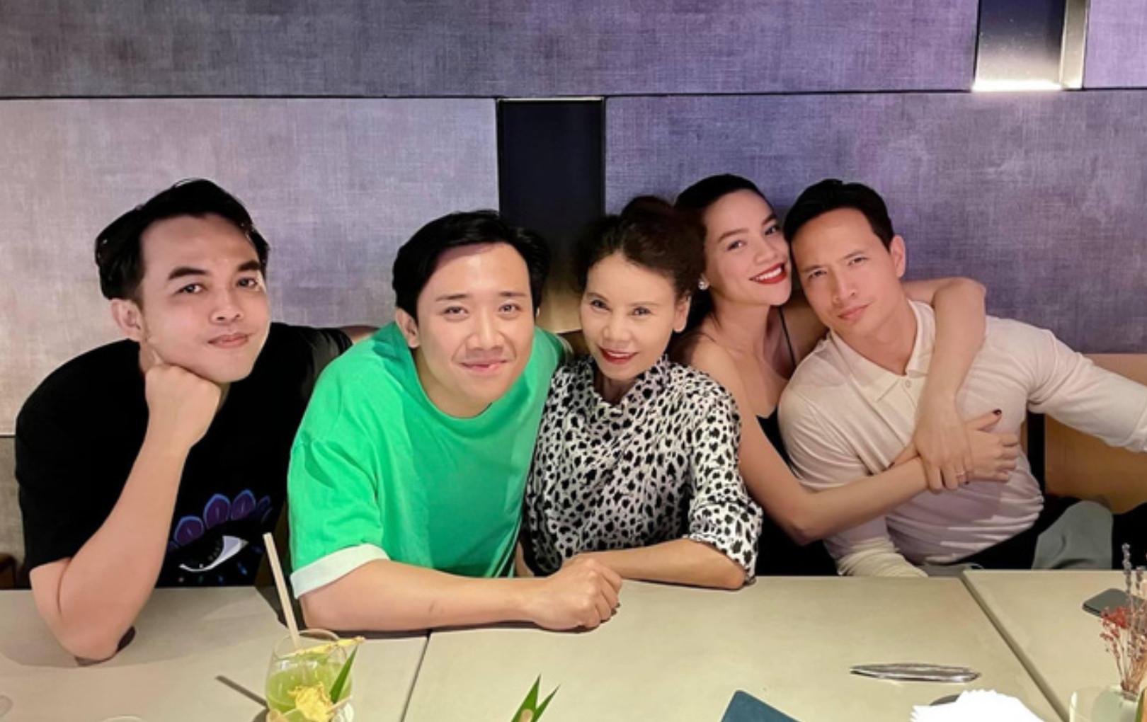 Hà Hồ - Kim Lý tụ tập bạn bè sau sinh con nhưng nhân vật gây chú ý nhất lại là Trấn Thành