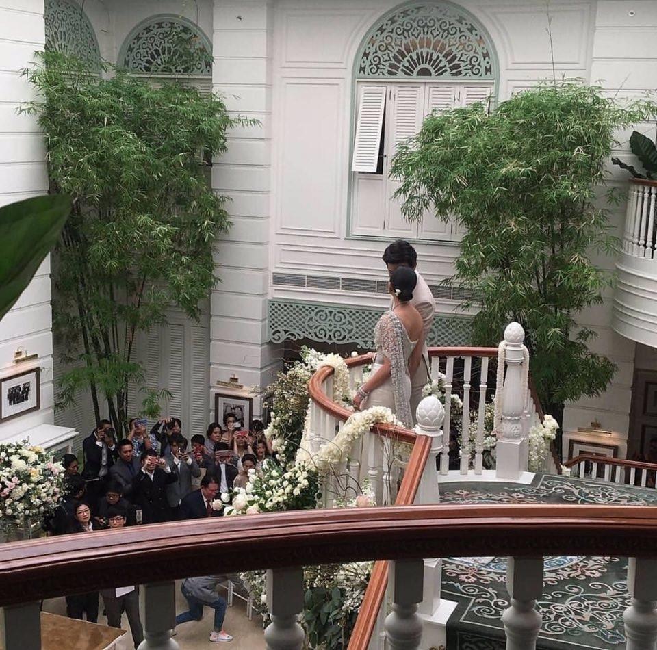 Lễ cưới truyền thống đã diễn ra, hoàng tử Thái Lan Push Puttichai chính thức là chồng người ta