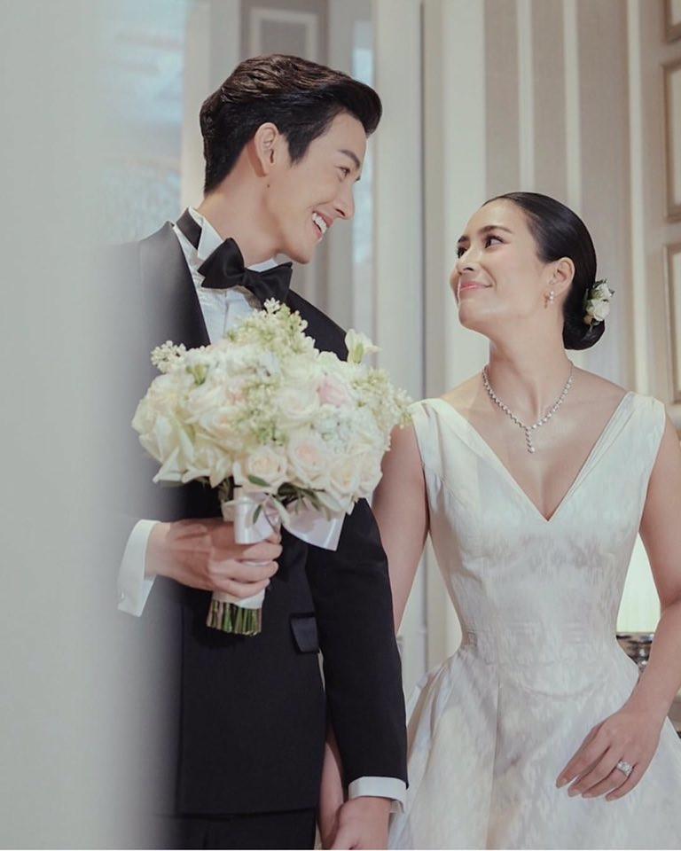 Xúc động trước loạt ảnh cưới đẹp như mơ của cặp đôi quyền lực Tbiz - Push Puttichai và Jooy Warattaya