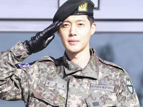 Hay bị so sánh với Song Joong Ki nhưng Song Luân có những khoảnh khắc giống Kim Hyun Joong bất ngờ