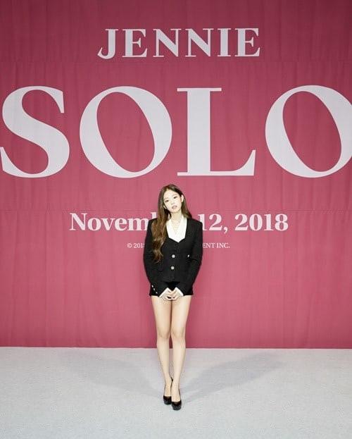 MV Solo chính thức ra mắt: 50 sắc thái đẹp hoàn mỹ của Jennie