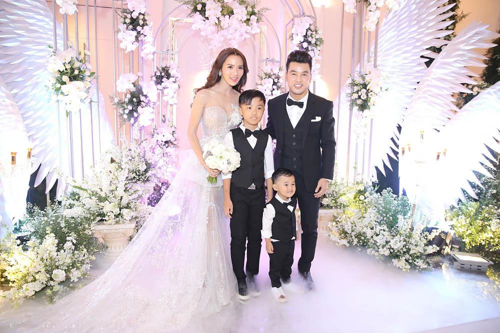Xúc động trước những tâm sự Ưng Hoàng Phúc dành cho Kim Cương sau lễ cưới trong mơ
