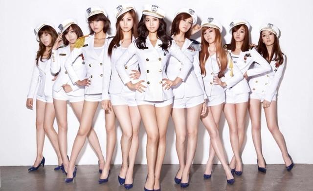 Yuri (SNSD) gây xúc động vì vẫn để hình 9 thành viên SNSD làm hình nền điện thoại