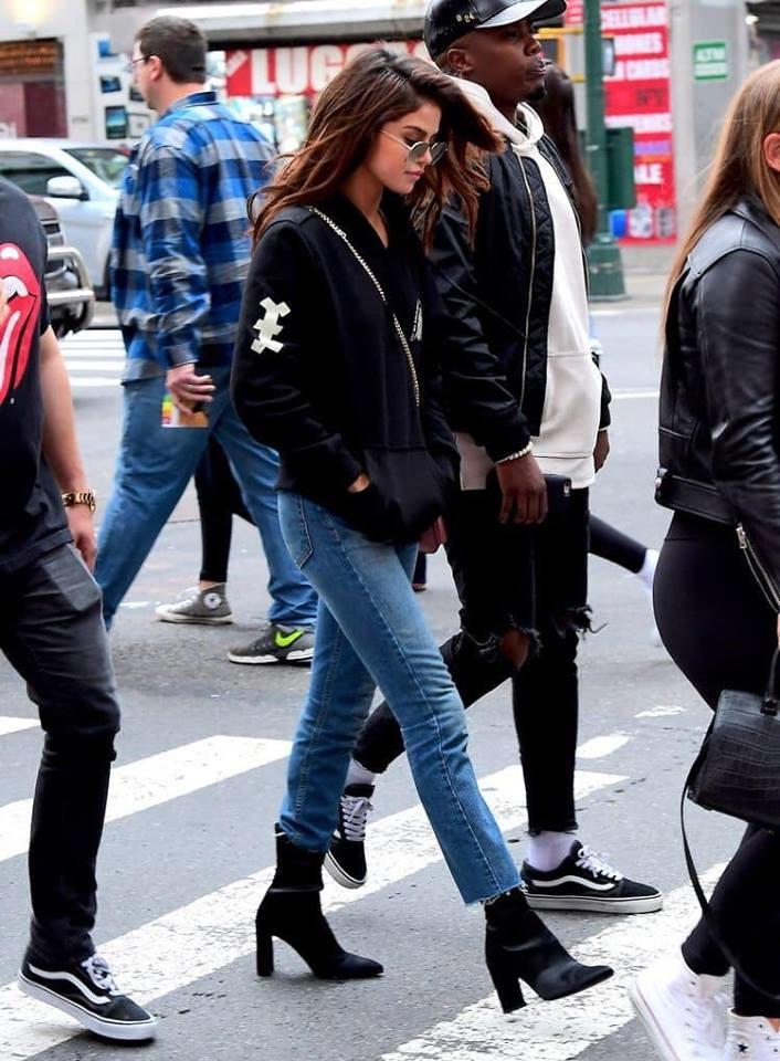 Selena Gomez được CĐM chọn là mỹ nhân có gu thời trang sành điệu và đẳng cấp nhất Hollywood