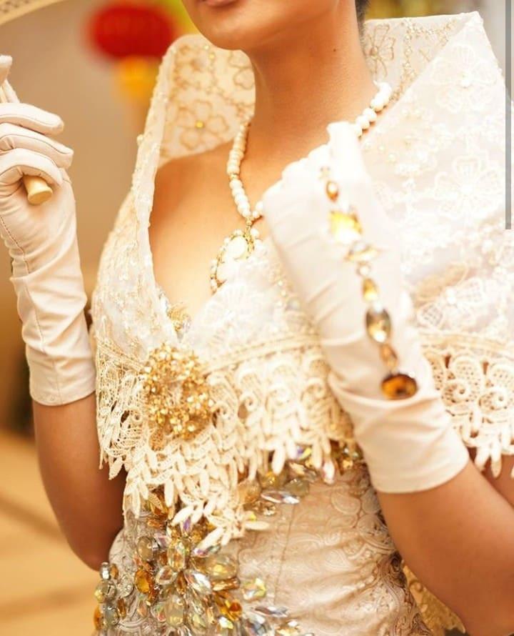 Hoa hậu đẹp nhất hành tinh HHen Niê đốn tim fan trong trang phục truyền thống Philippines