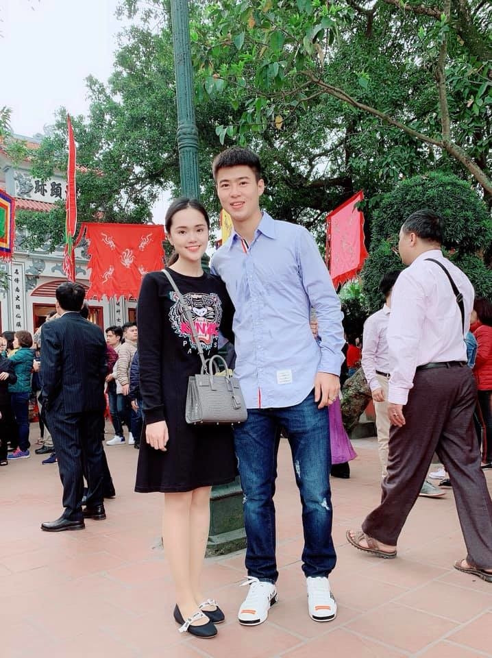 Dàn sao ĐT Việt Nam ăn diện đón xuân: Công Phượng xoăn nhưng không xoắn, Quế Ngọc Hải hạnh phúc bên gia đình nhỏ