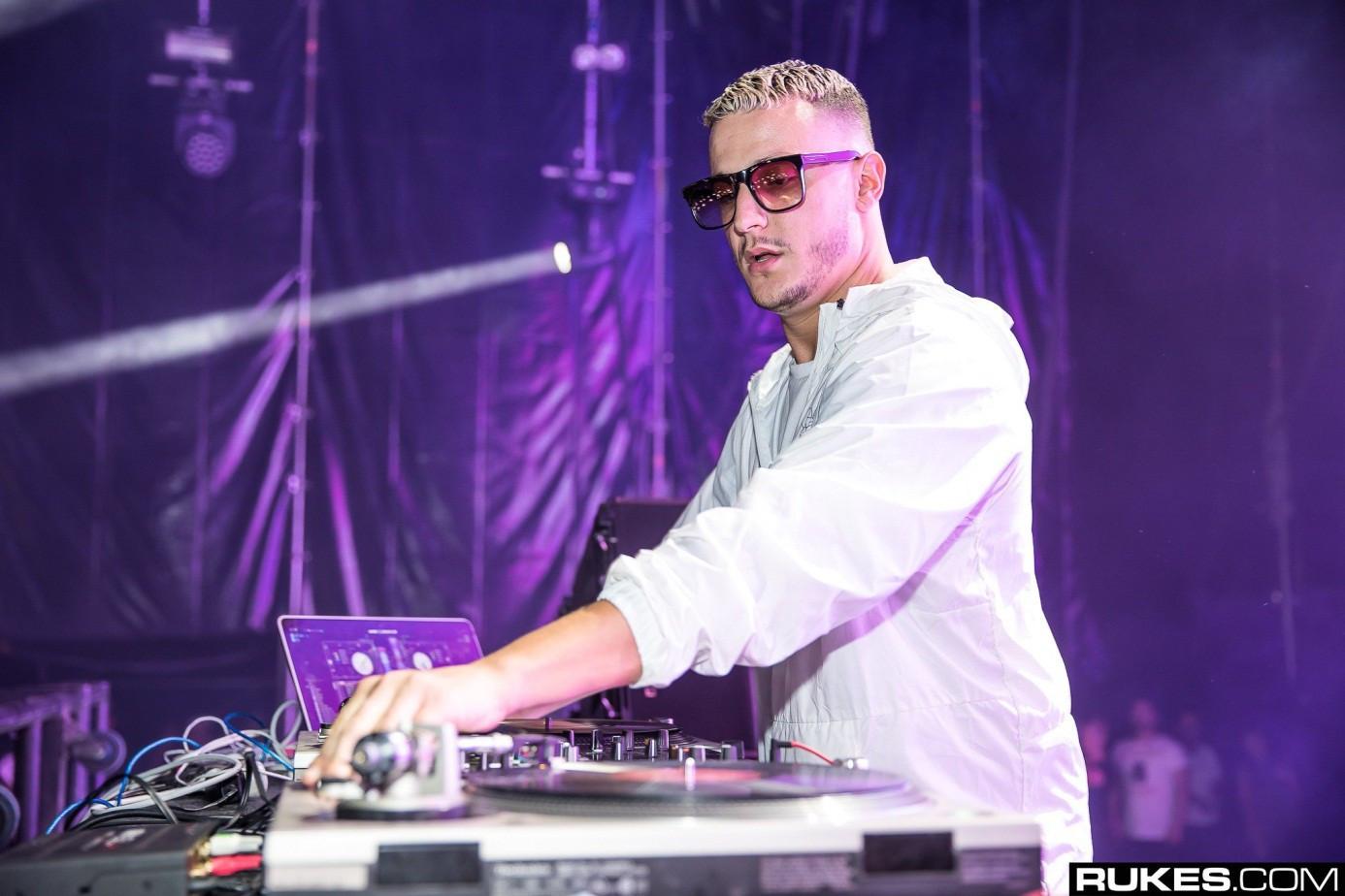 Bị fan cuồng chỉ trích vì chỉ follow mỗi Lisa, DJ Snake bức xúc: Mấy người đã phá hủy mọi thứ trước cả khi nó bắt đầu