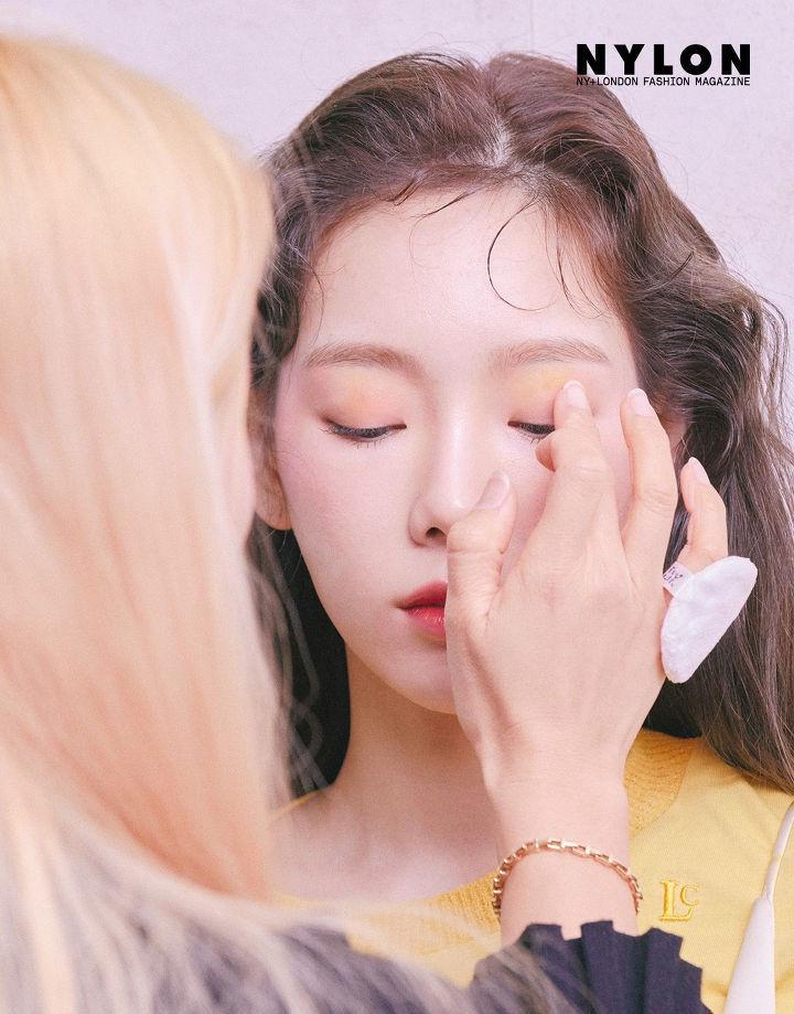 Taeyeon khoe nhan sắc tuổi 30 đẹp như nàng thơ trên bìa tạp chí
