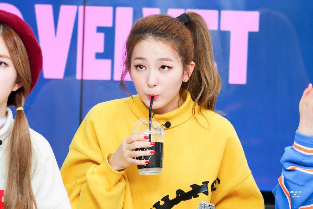 Idol Kpop công khai thừa nhận crush đồng nghiệp: Jungkook là fanboy cuồng nhiệt của IU nhưng hình mẫu lý tưởng của cô lại là...