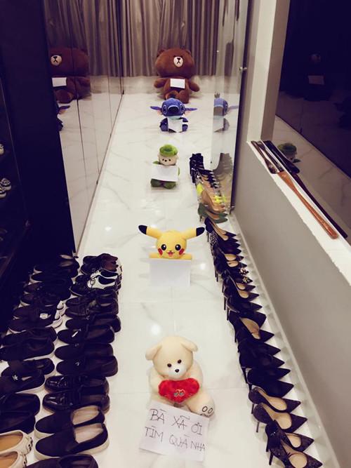 Lóa mắt trước những món quà sang chảnh Trấn Thành tặng Hari Won sau 2 năm về một nhà