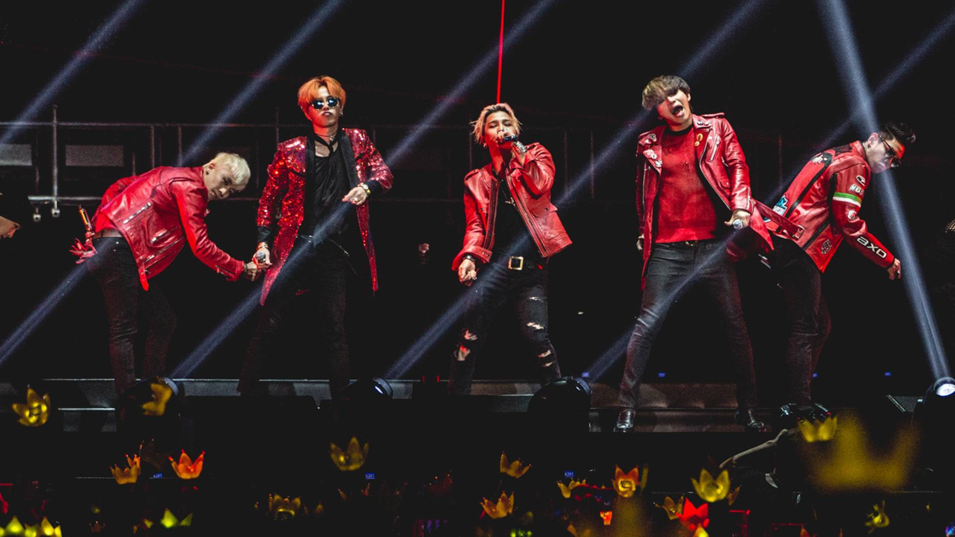 Hình ảnh Big Bang 5 người trên sân khấu: Những khoảnh khắc đẹp nhất giờ nhìn lại mắt cứ cay cay