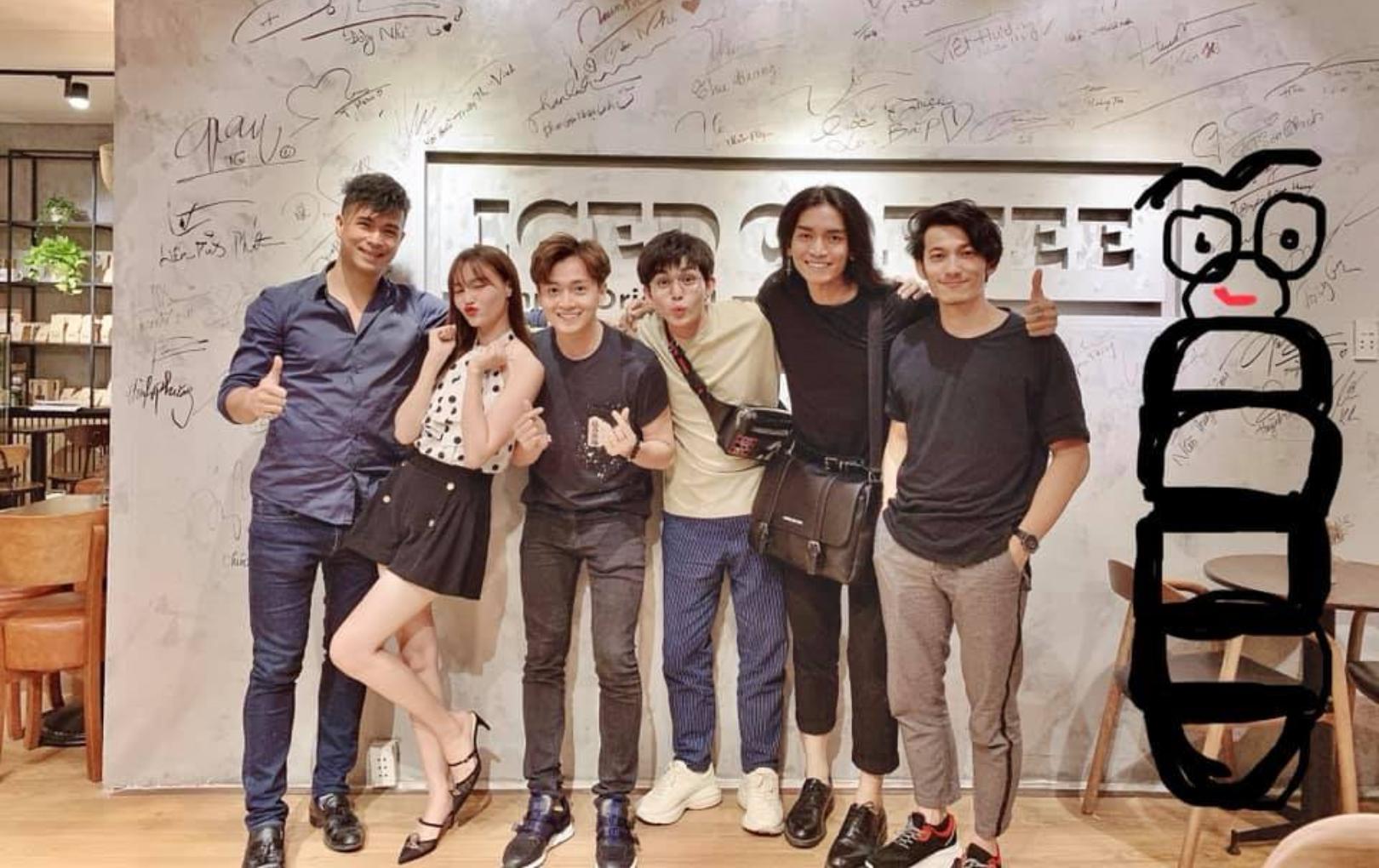 """Dàn cast """"Chạy Đi Chờ Chi"""" hội ngộ mừng sinh nhật Jun Phạm, BB Trần và Trấn Thành nổi nhất vì lý do này"""