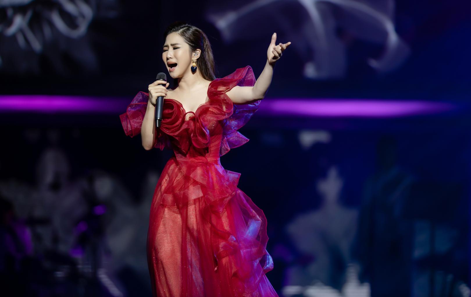 Tạm dừng hát ở Việt Nam, Hương Tràm chính thức đầu quân cho trung tâm ca nhạc lớn ở Mỹ trong 5 năm