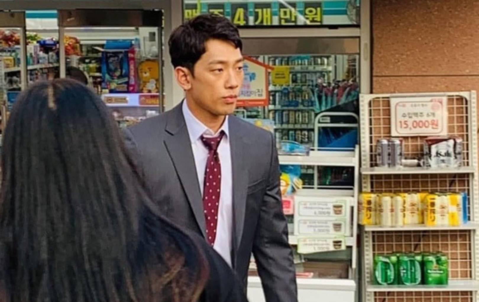 """Bi Rain gầy gò, nhợt nhạt tích cực """"chạy phim"""" dành tiền chăm sóc Kim Tae Hee ở thời cuối thai kì"""