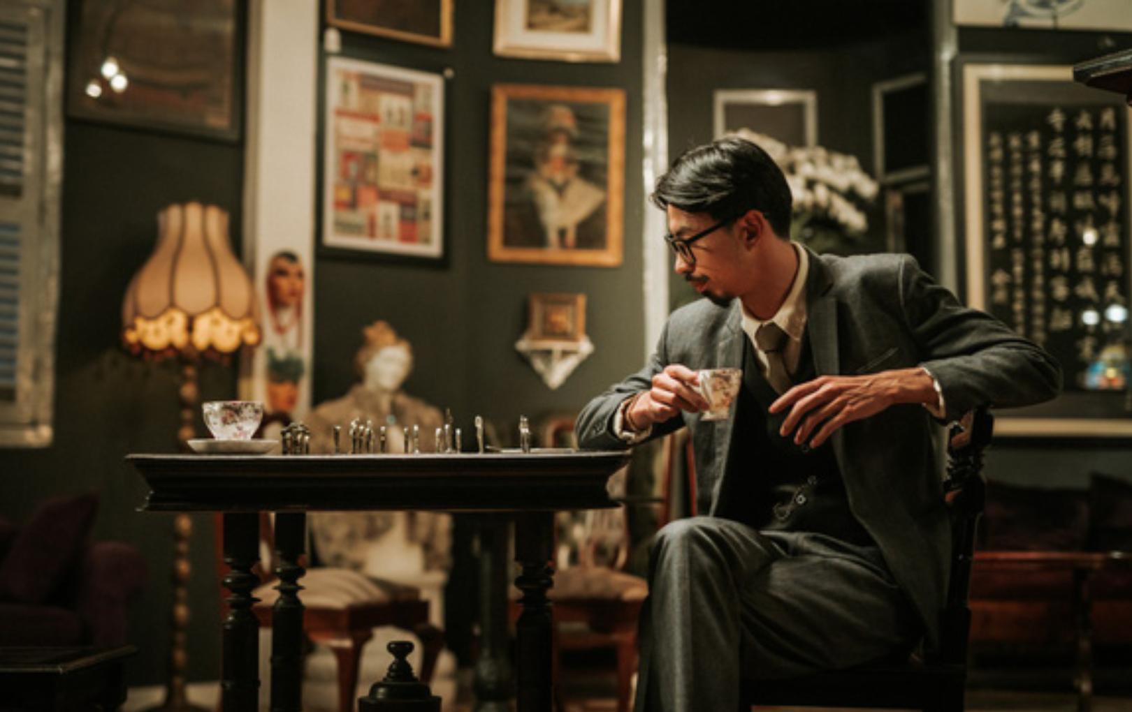 """Live show vừa cháy vé, Đen Vâu liền tung teaser MV đậm màu sắc """"Sherlock Holmes"""""""
