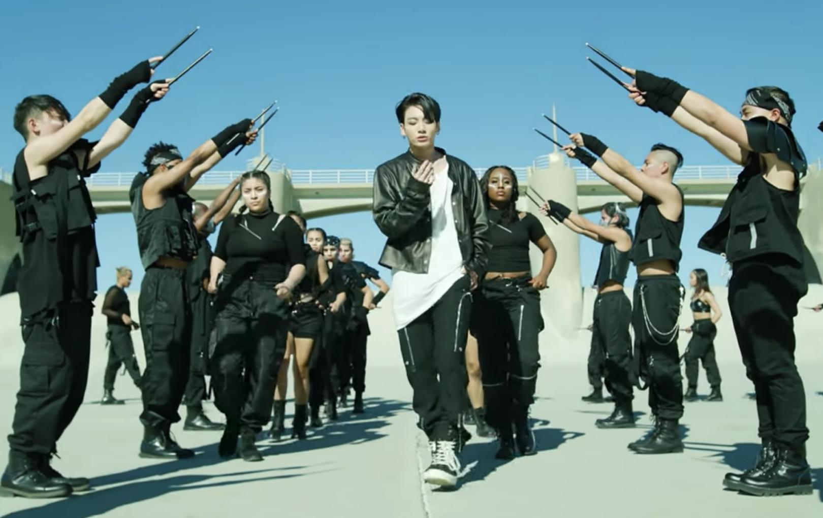 """BTS """"đánh bật"""" loạt MV của K-ICM, Orange, Jack để chiếm top 1 trending YouTube Việt Nam"""