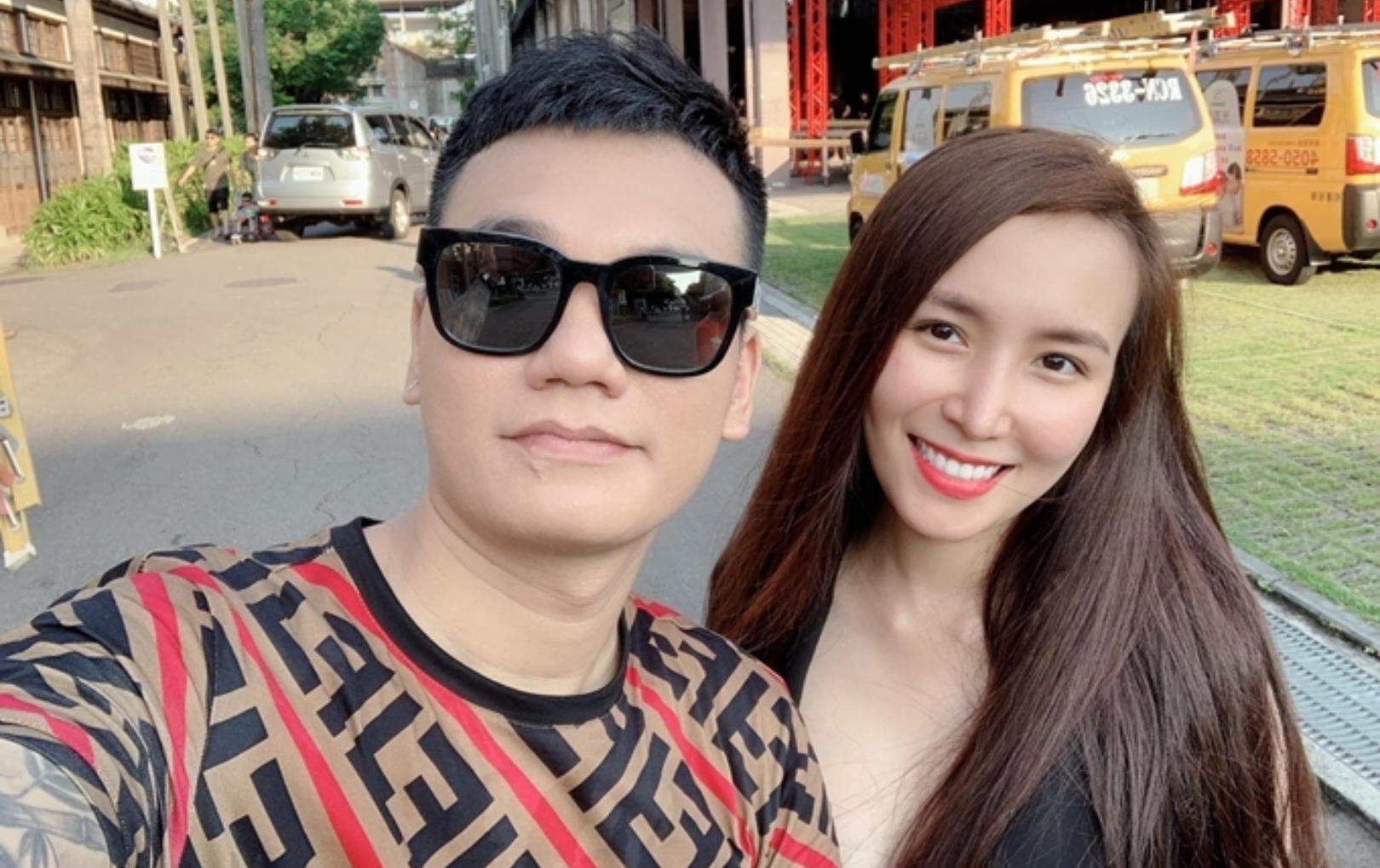 Khắc Việt mua cùng lúc hai căn nhà, một ở TP.HCM, một ở Hà Nội, tặng vợ đang mang song thai