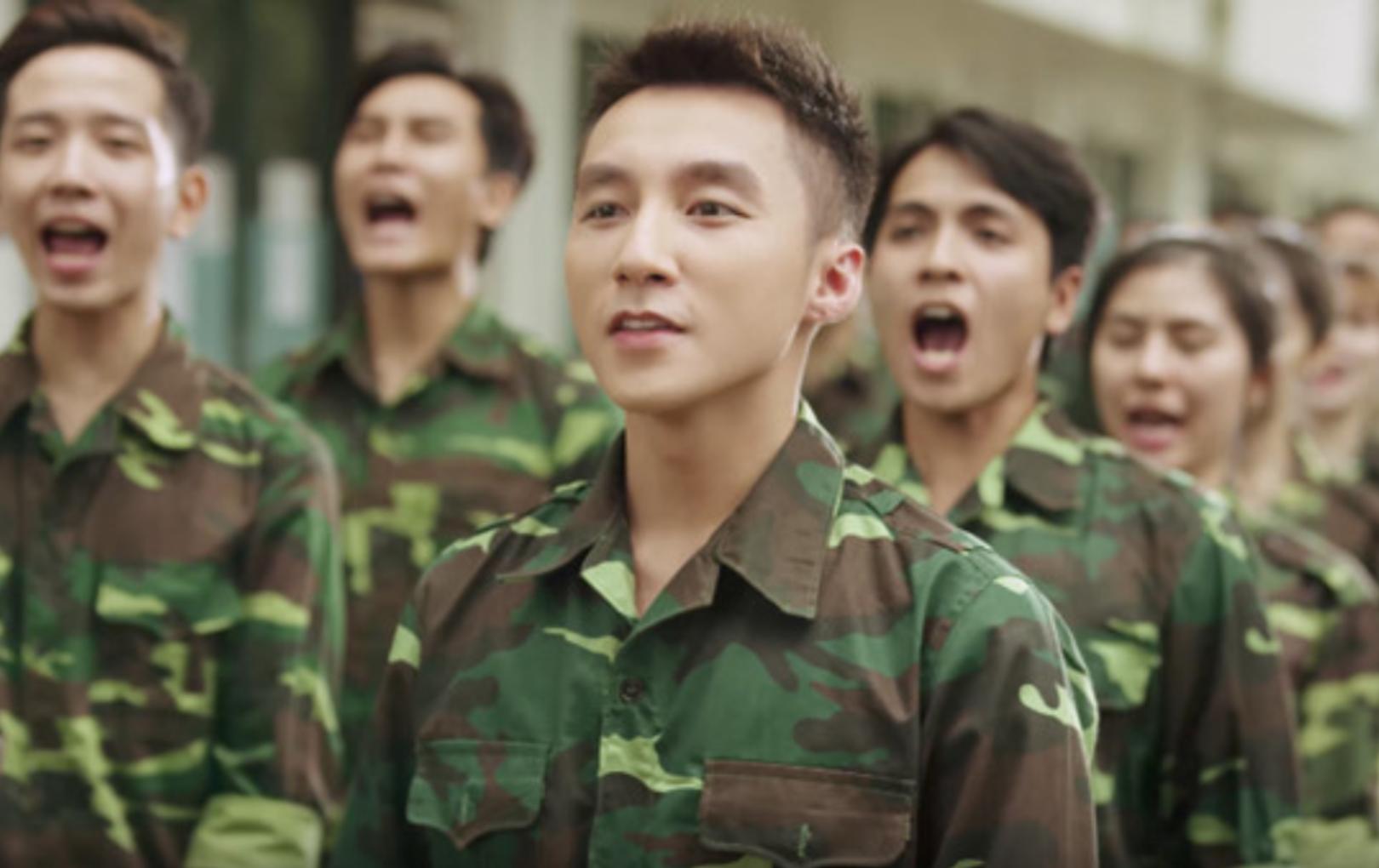"""Đoạn phỏng vấn cũ của Sơn Tùng M-TP gây xúc động: """"Tổ quốc với em là tất cả"""""""