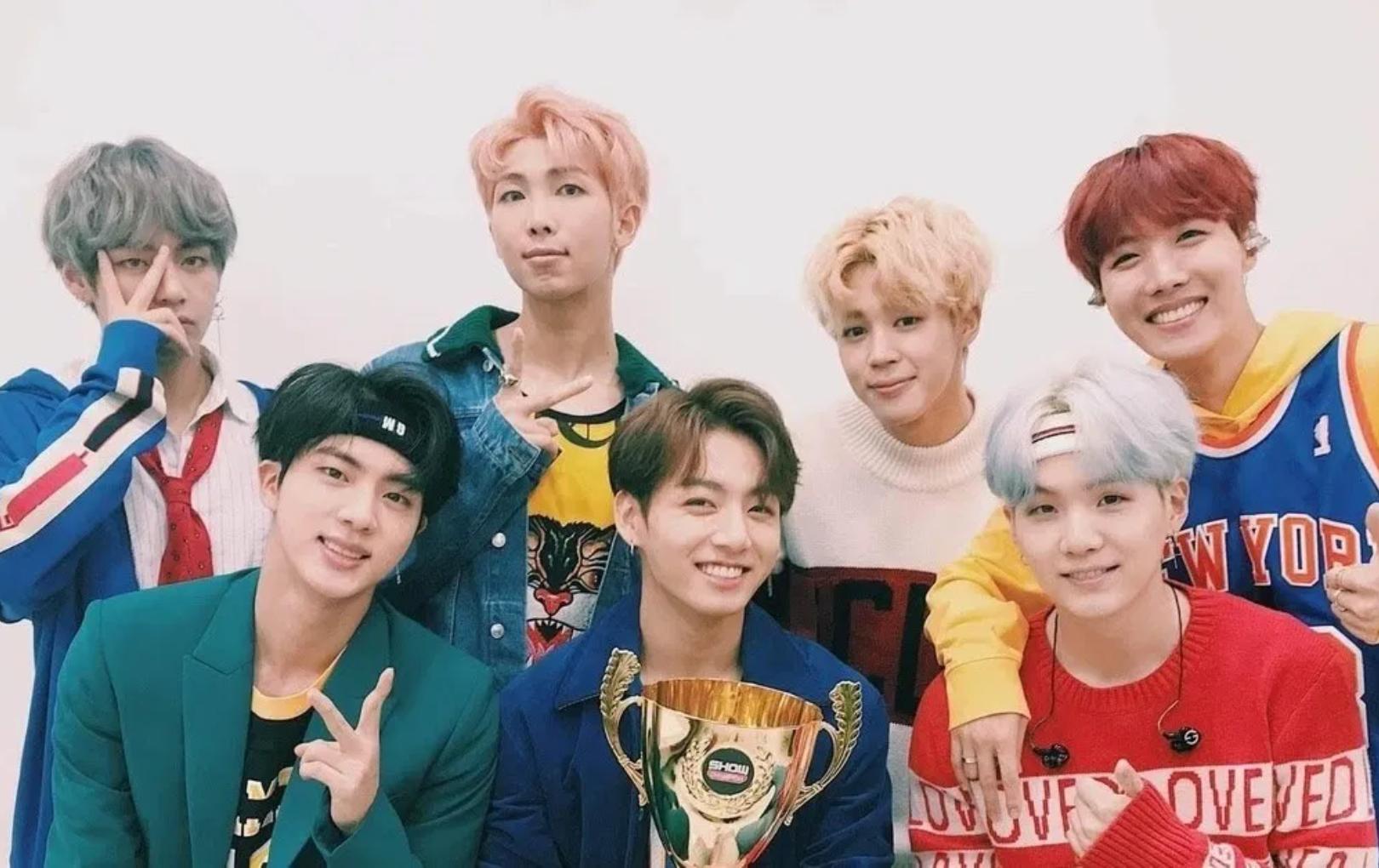 """BTS trở thành boygroup Kpop đầu tiên sở hữu MV 1 tỉ view với """"DNA"""""""