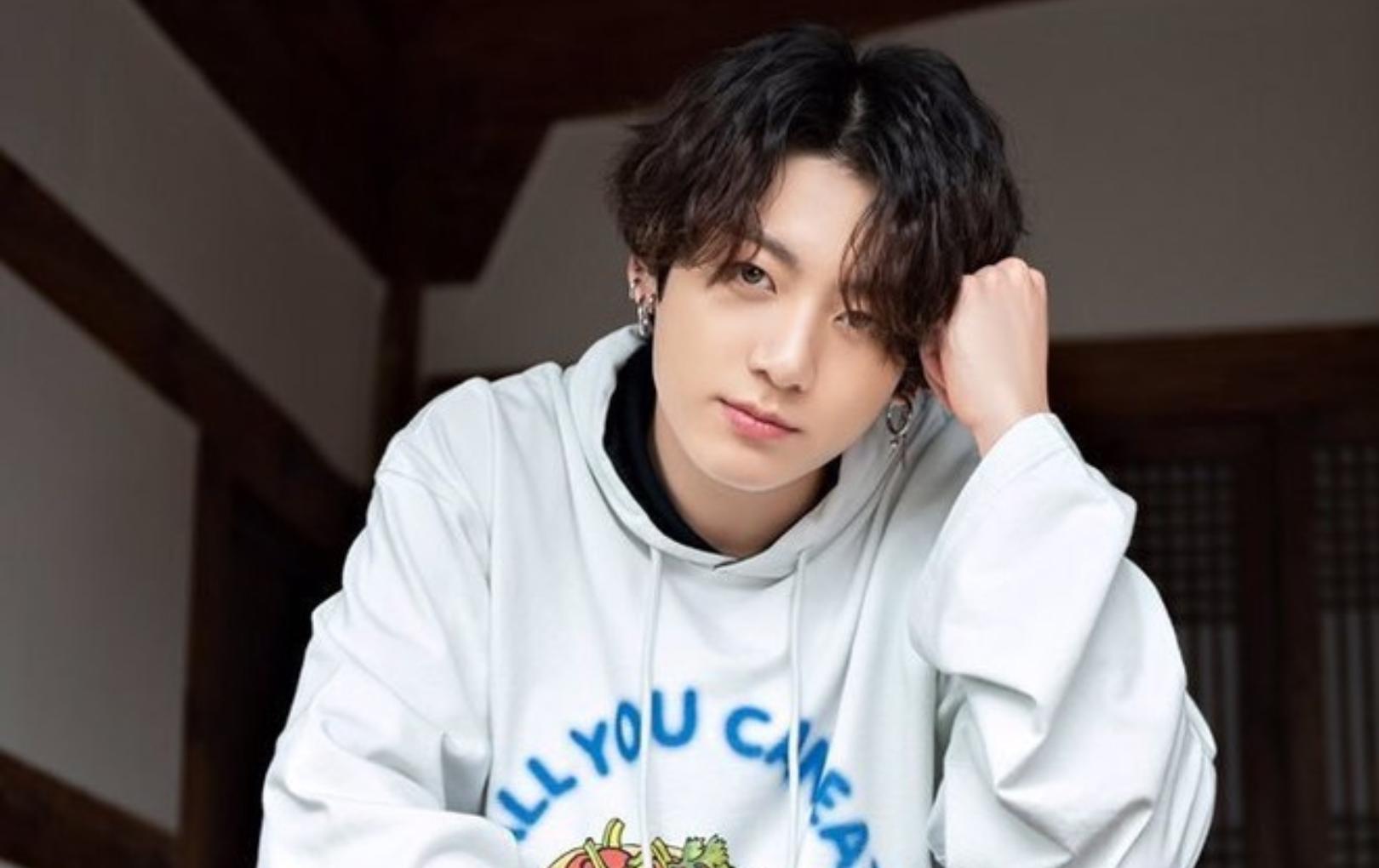 """Jungkook (BTS) trực tiếp nói lời xin lỗi sau scandal tụ tập ở """"ổ dịch"""" Itaewon cùng hội 97-line"""