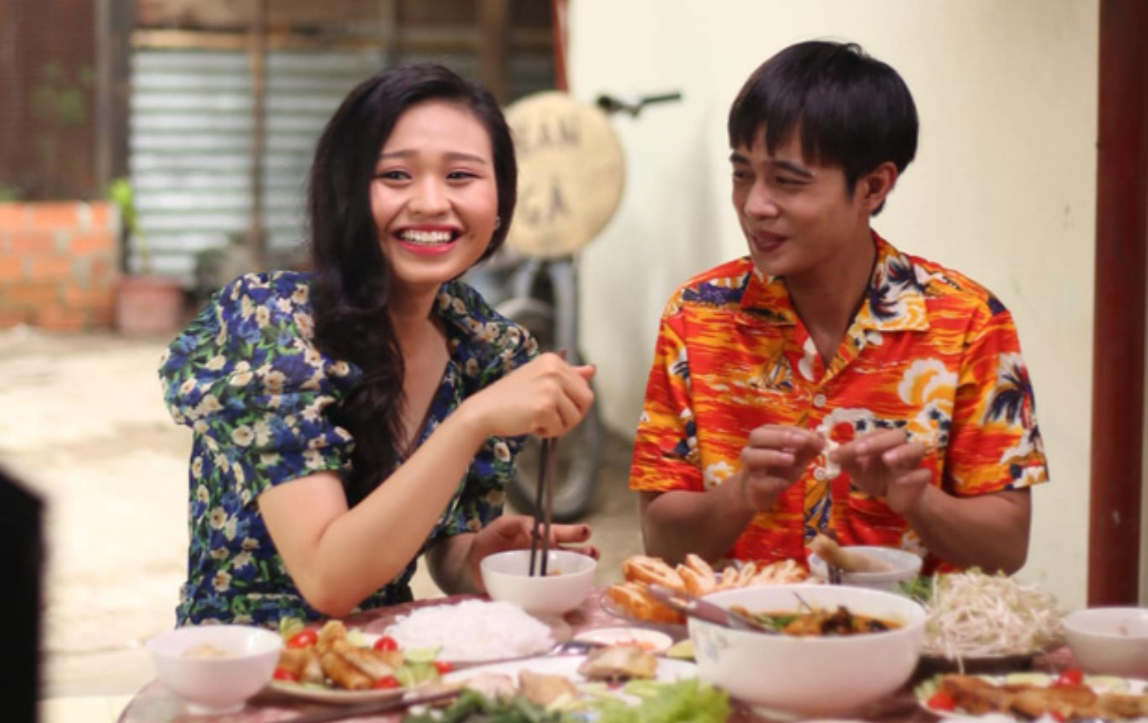 Lê Lộc chủ động đăng ảnh tình cảm bên Tuấn Dũng, sao Việt đồng loạt hối cưới
