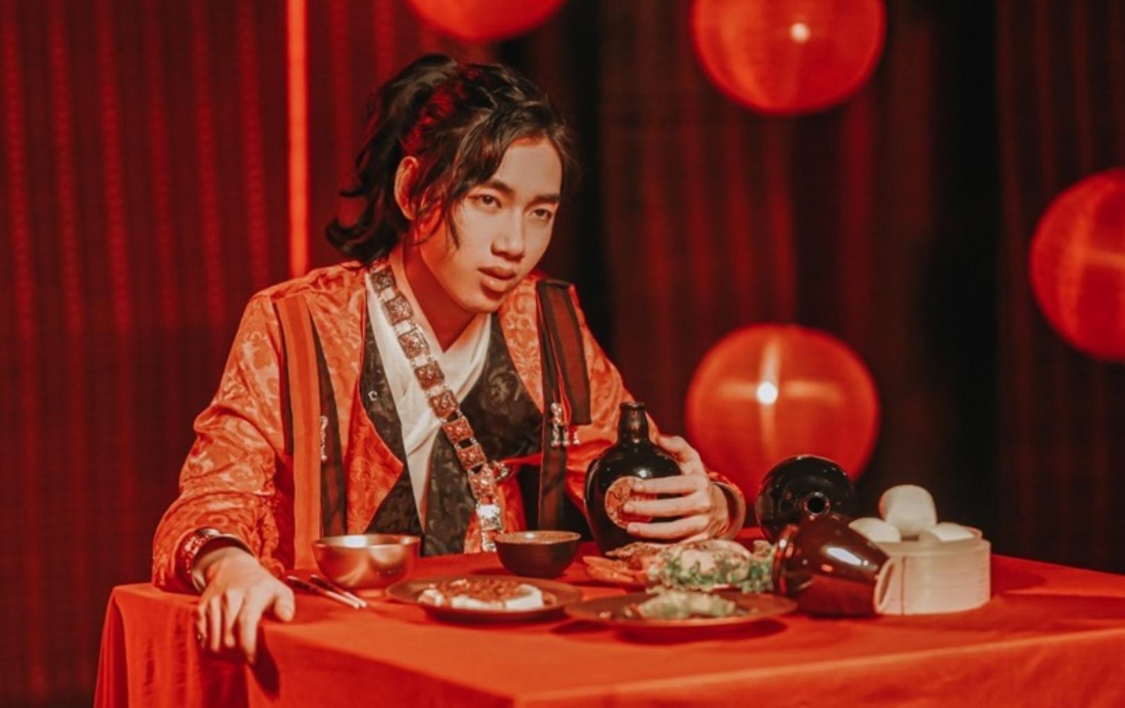 """K-ICM chính thức lên tiếng xin lỗi sau lùm xùm bị tố đạo trang phục và """"xài chùa"""" tranh vẽ trong MV mới"""