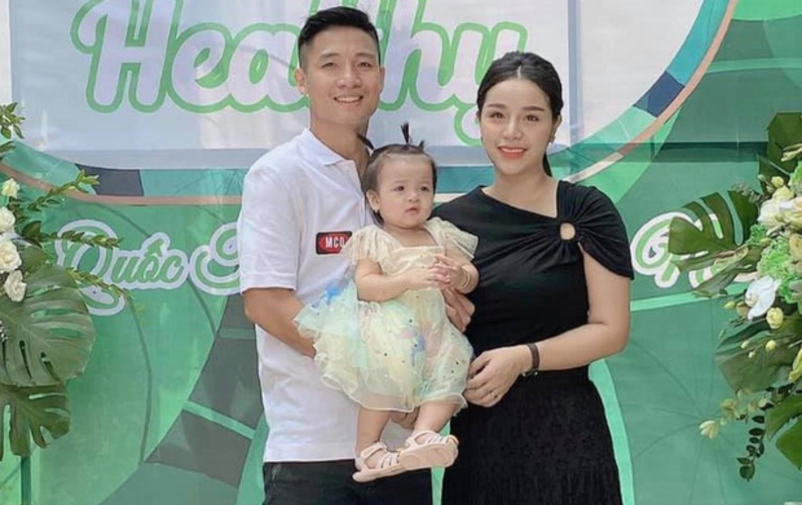 Khánh Linh đăng ảnh hạnh phúc bên Tiến Dũng sau ồn ào tự nhận là single mom