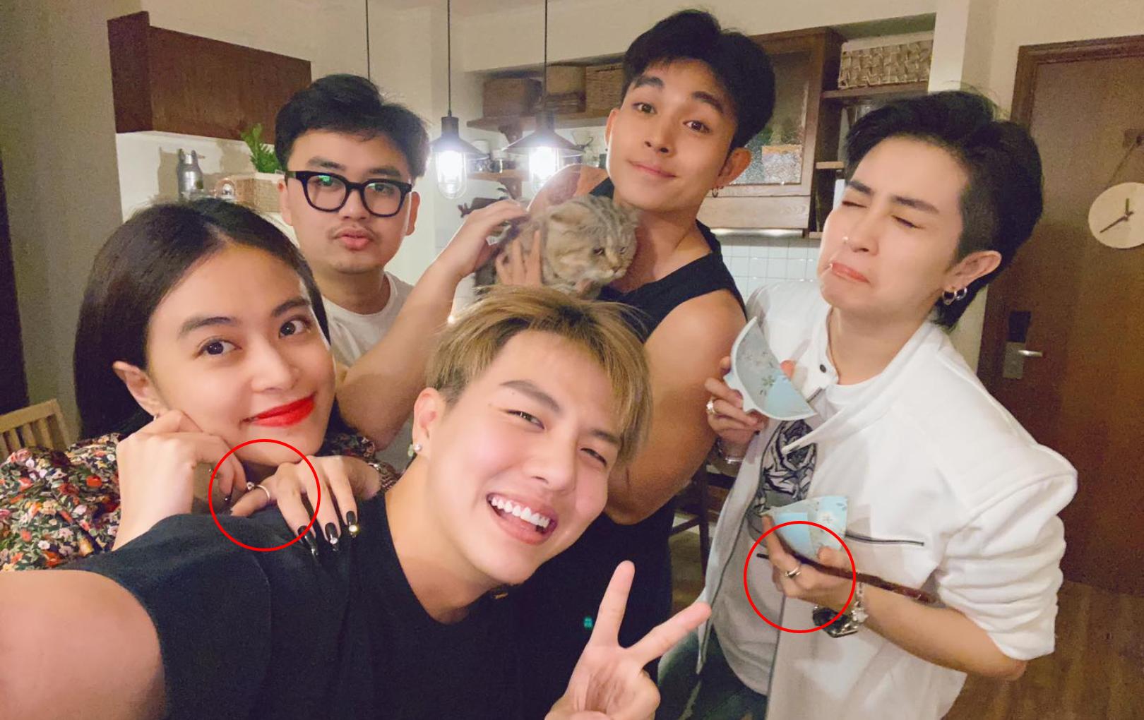 Gil Lê - Hoàng Thùy Linh nhí nhố selfie cùng hội bạn, dân tình chỉ chú ý đến chiếc nhẫn hao hao nhau của cặp đôi