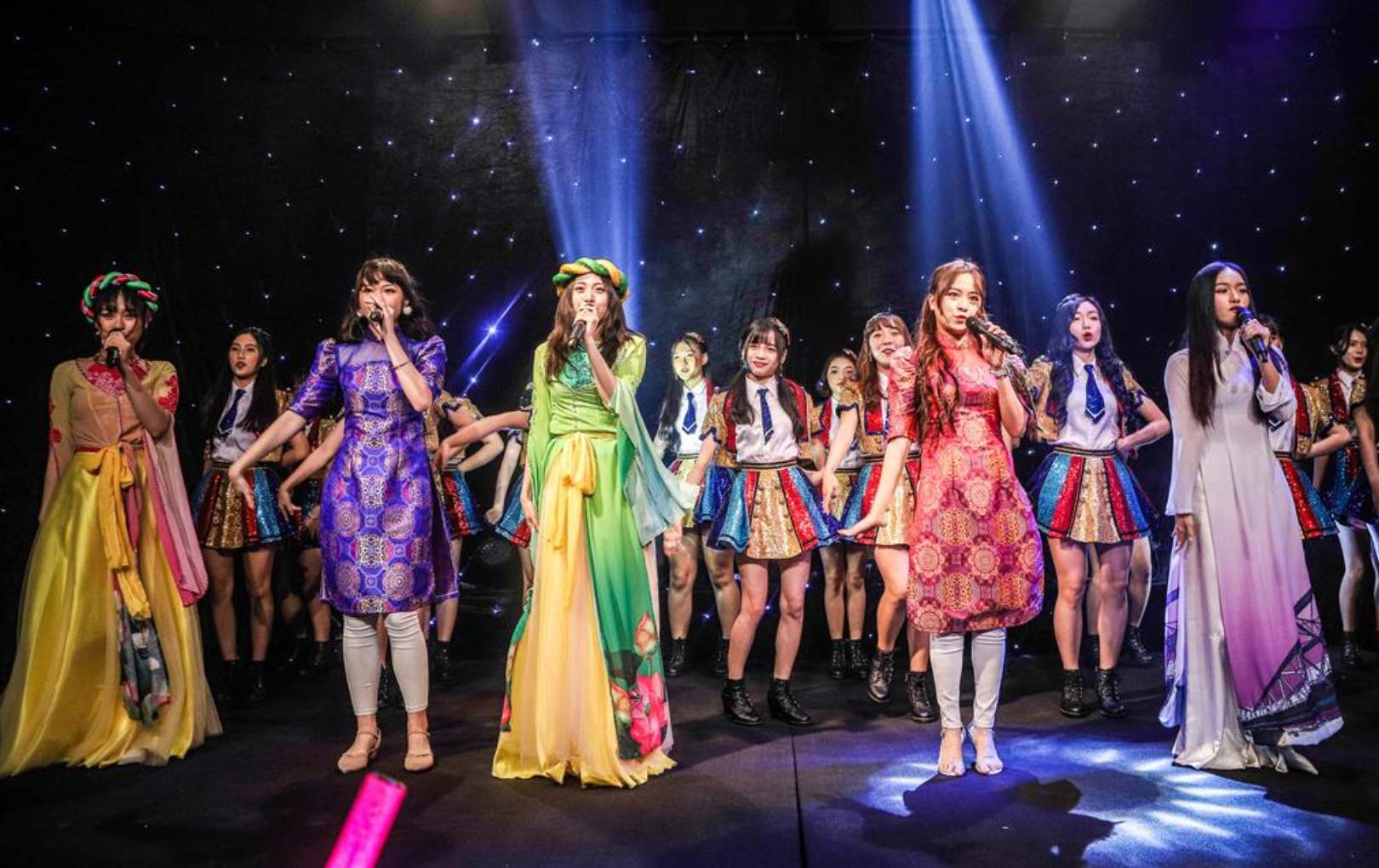 SGO48 – Nhóm nhạc đầu tiên đầu tư sân khấu riêng tại Việt Nam