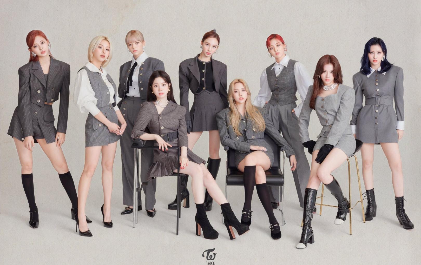"""TWICE lập kỷ lục là nhóm nhạc nữ Kpop đầu tiên """"tẩu tán"""" 10 triệu bản album"""