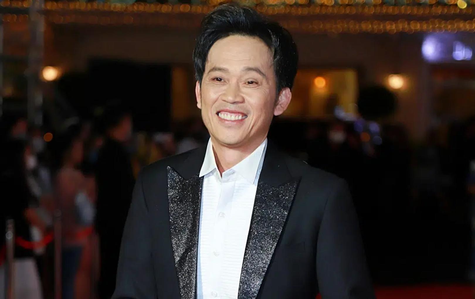 NSƯT Hoài Linh cán mốc hơn nửa triệu subscribers trên YouTube chỉ sau 2 tuần lập kênh