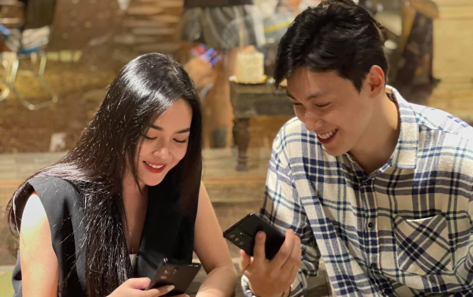 """Cặp đôi """"Người ấy là ai"""" Alan Phạm - Thanh Quỳnh hội ngộ, vẫn đẹp đôi như ngày nào khiến fan tiếp tục """"đẩy thuyền"""""""