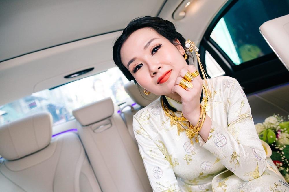 Sau đêm đám cưới viên mãn, Võ Hạ Trâm đăng status tuyên bố: Em chính thức là Mrs Chaudhary