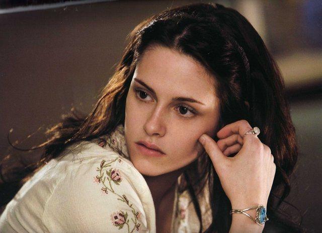 Kristen Stewart: Nàng thơ Bella chỉ là quá khứ, hiện tại chuẩn soái ca và phanh cả ngực