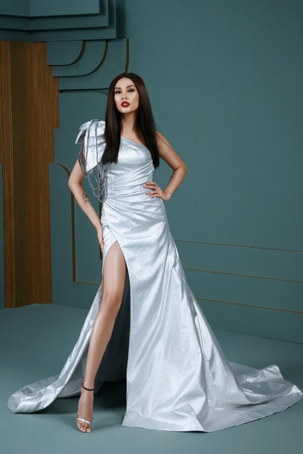 """Hoa hậu đẹp nhất hành tinh 2018 HHen Niê tiết lộ """"hậu cung"""" đỉnh nhất Vbiz"""