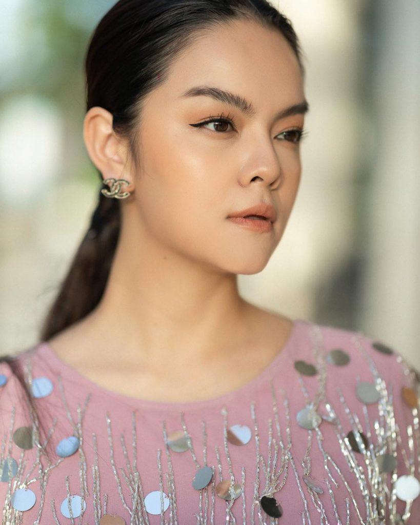 Cuối cùng, Phạm Quỳnh Anh cũng thừa nhận Quang Huy có người mới, kẻ thứ 3 là người quen
