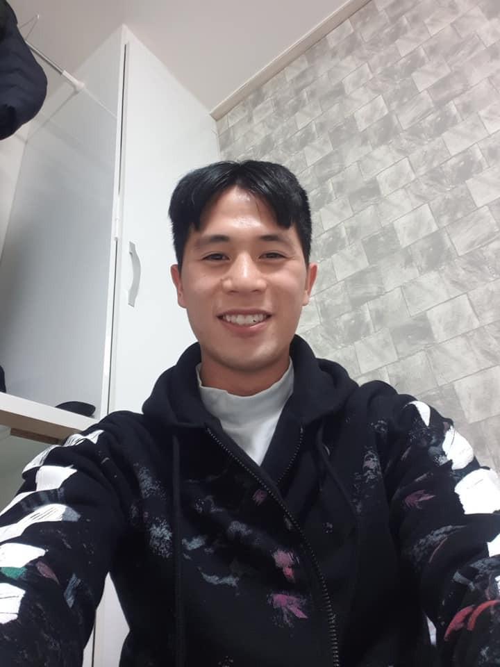 Trang phục Tết của cầu thủ Việt Nam: người cool ngầu, người giản dị