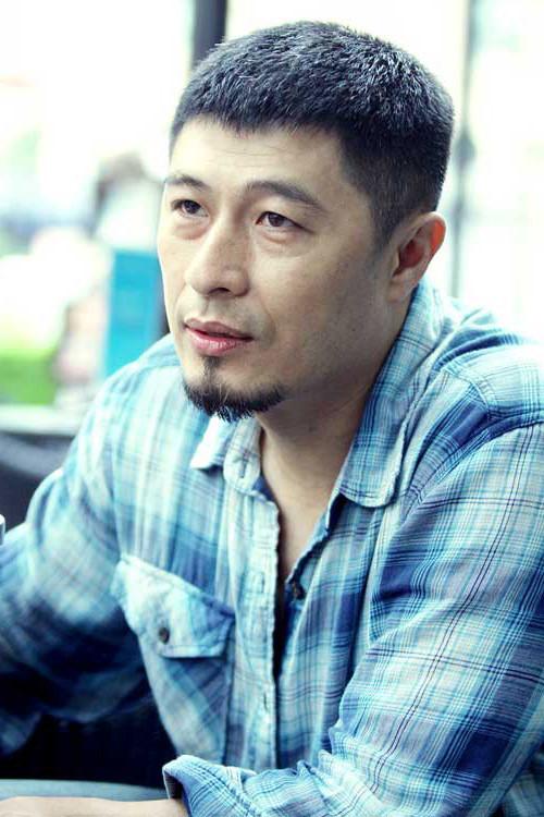 Cua lại vợ bầu vượt kỉ lục phim của mình, đạo diễn Charlie Nguyễn của Em chưa 18 nói gì?
