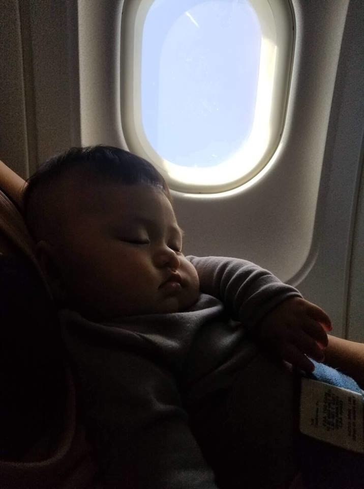 CDM ngất lịm với quý tử 4 tháng tuổi nhà Quý Ròm, khi lần đầu được đi du lịch