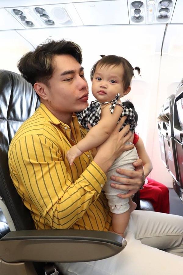 Muốn biết khóc cạn nước mắt là như thế nào, nhìn biểu cảm con gái Lê Dương Bảo Lâm sẽ rõ!