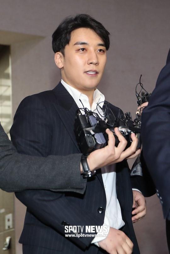 Sau 8 tiếng điều tra tại sở cảnh sát, Seungri khảng khái: Tôi sẽ nhận hình phạt nghiêm túc nếu tôi thật sự phạm tội