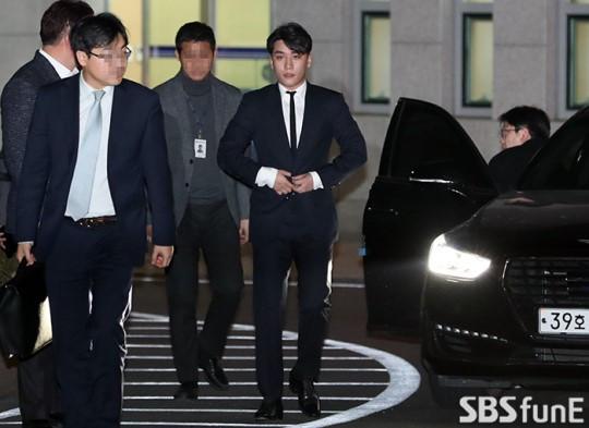 SBS nộp thẳng tin nhắn của Seungri lên chính phủ khiến nentizen Hàn phải thán phục