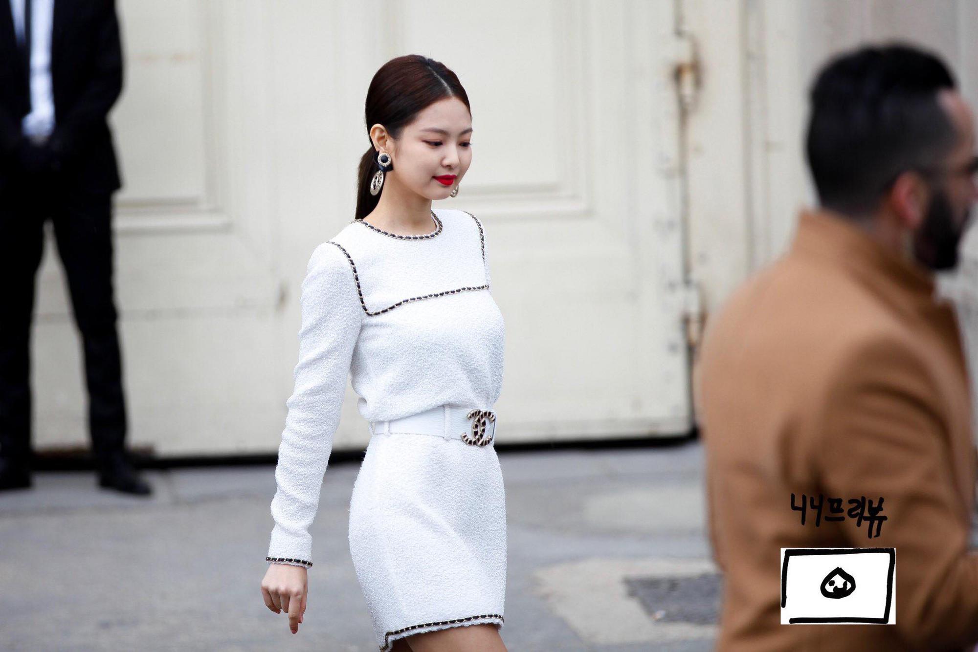 Chanel sống Jennie chẳng khoan nhượng dìm hàng Victoria thành bạch tuột trong sự kiện quốc tế
