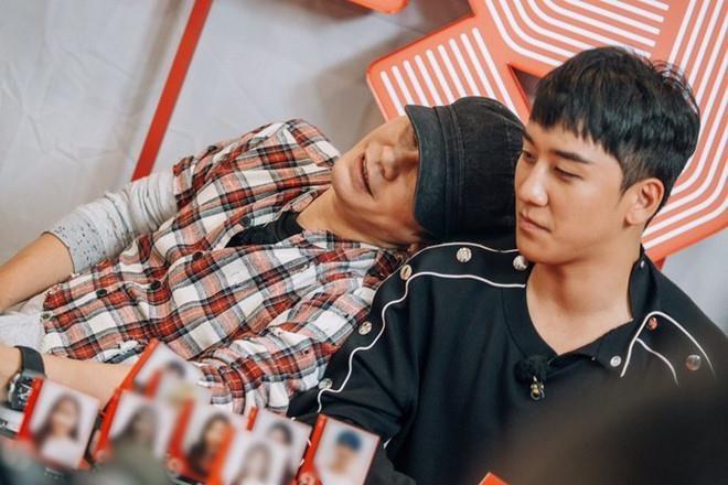 YG Ent bị khủng hoảng lớn nhất từ trước đến nay sau bê bối của Seungri, chủ tịch Yang lao đao biến mất trên MXH