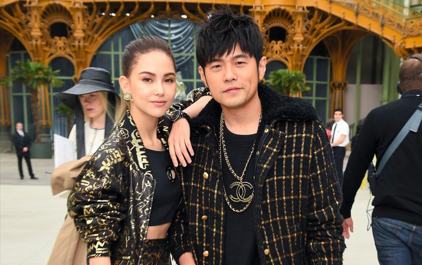 """Vợ chồng Châu Kiệt Luân - Côn Lăng xuất hiện hào nhoáng giữa rừng fanchant, """"chặt chém"""" dàn khách VIPs tại Paris"""