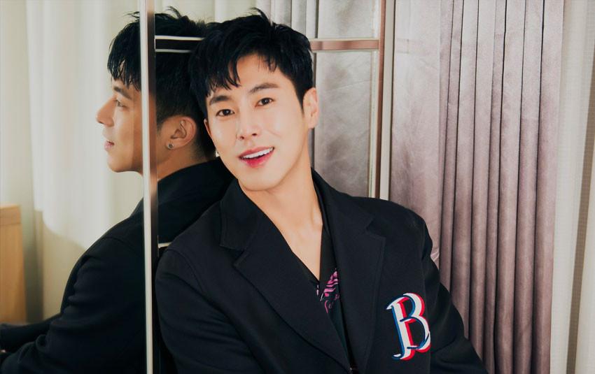 """""""Rừng càng già càng cay"""" Yunho (DBSK) chứng minh năng lực tiền bối khi thực hiện solo, lọt top loạt BXH tại Hàn"""