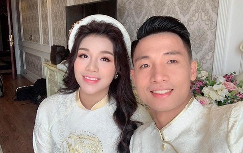 Vợ sắp cưới của Bùi Tiến Dũng lộ vòng 2 lớn trong hình chụp của lễ đính hôn
