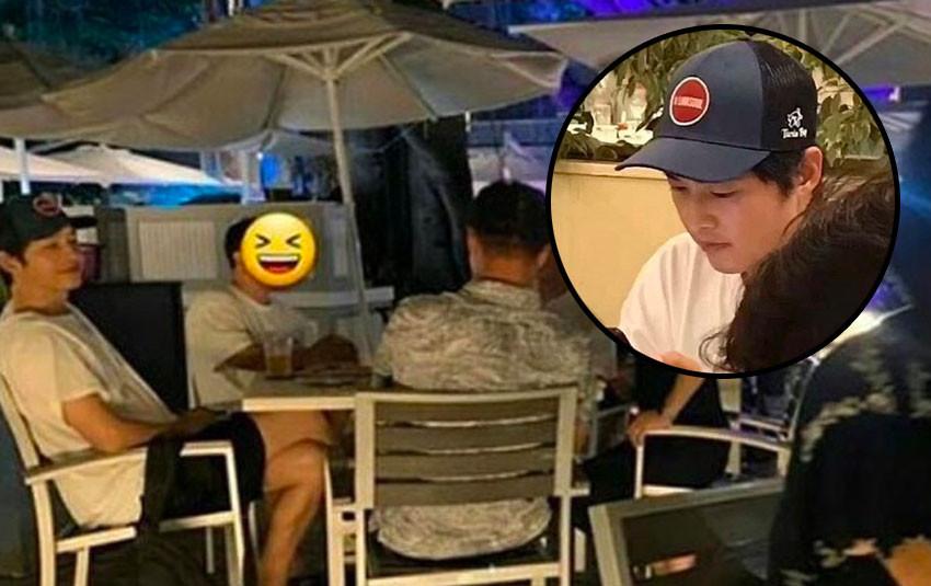 Song Joong Ki nghỉ dưỡng tại Hawaii cùng gia đình, cười nói vui vẻ khi thấy fan chụp ảnh